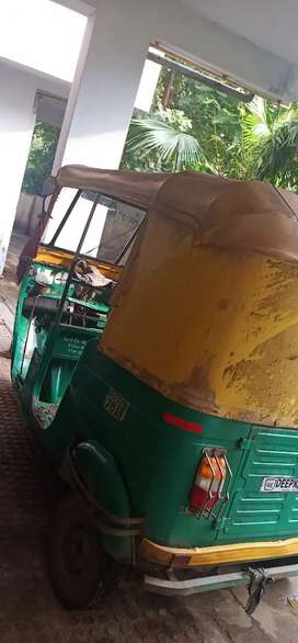 Best condition auto rickshaw 2 stock
