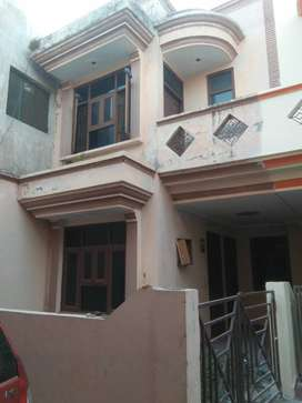 98 YARD DUPLEX HOUSE ONLY 48 LAC (MAYUR VIHAR PHASE -1)