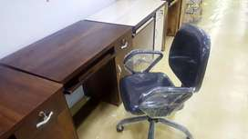 Brand new workingtable and chair good quality strong and comfortable