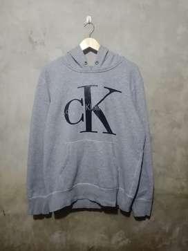 Hoodie Calvin Klein size L, COD Kota Bogor