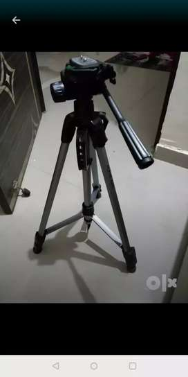 Alpha Tripod can take load up to 5kg