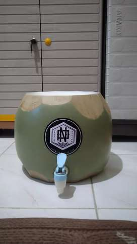 Dispenser Guci model kelapa
