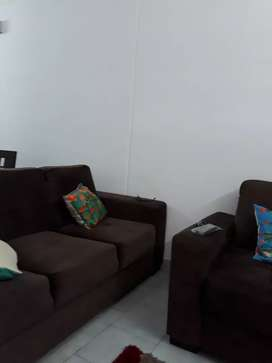 2 bhk fully furnishd flat near easthill.