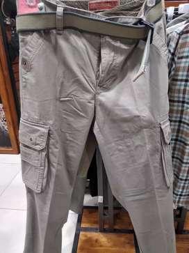 Celana kargo dan celana pendek