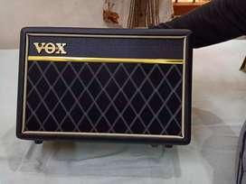 Vox Pathfinder Bass 10 Practice Amplifier.