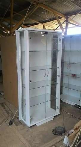 Lemari hias/pajangan kaca 2 pintu plus lampu #pf001A