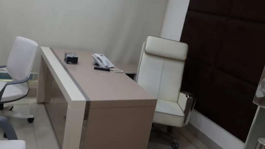 VIP FULL FURNISHED OFFICE FOR RENT BEST FOR ITWITH CHAMBERWORK STATION