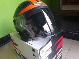 Helm Zeus ZS-610 Muyuss
