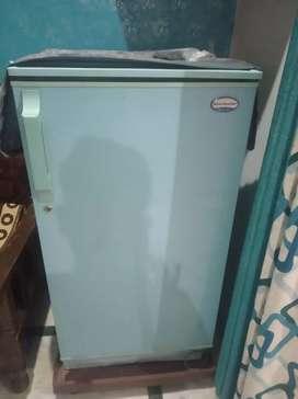 170 Litre single door fridge