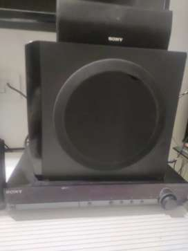 SONY DVD PLAYER WITH 5.1 SPEAKERS NOT MORE OLD GOOD SOUND