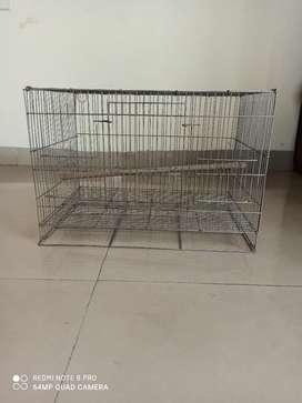 Bird cage in excellent condition