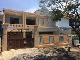 Rumah 2 Lantai Bisa untuk Usaha di Dharmahusada