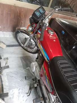 125 bike 4 sale model 18 km 7400
