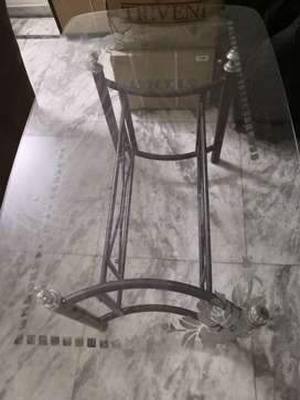 Dinning table with Glass Top