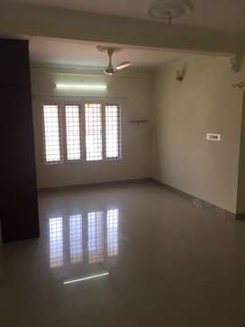 FREESTANDING APPARTMENT WITH GREAT LOCATION
