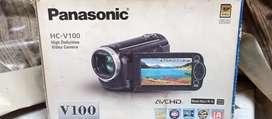 Panasonic full hd handycam v100