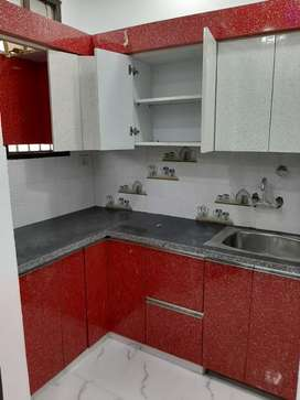 1BHK FLAT LONE AVAILABLE WITH BIKE PARKING PRIMARY LOCATION
