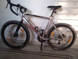 Montra Helicon x roadbike brand new condition , properly cared.