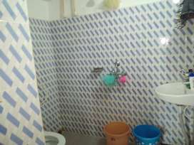 Female Roommate Required