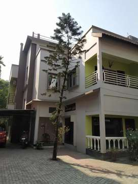 Proper paying guest (not like hostels) for female in Hatigaon