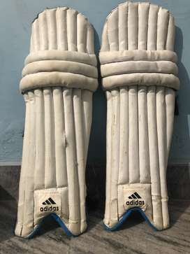 Cricket bating pads and wicket keeping gloves and inner gloves
