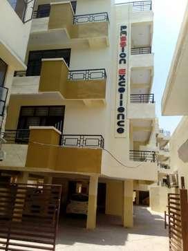 4 bhk flat at swaroop Nagar,kanpur