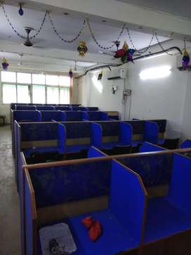 Laxmi nagar fully furnished office space for rent