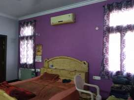 1 room set on 1st floor at main road of Kargil to karkunj sec.11