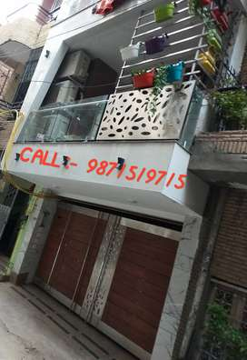 3 + 1 fully furnished upper ground floor with 1/4th parking.