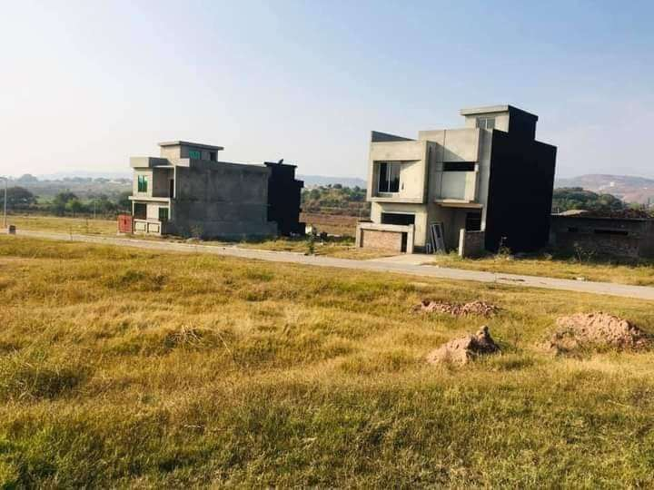 Islamabad model town 5 marla plots for sale at reasonable price 0