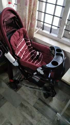Luvlup folder stroller new condition price tag 6500
