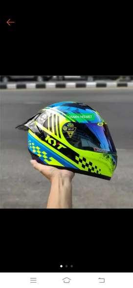 Helm KYT r-10+spoiler