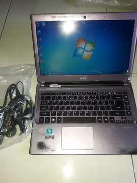 Dijual Laptop Acer V5-471 Intel Core i3. Normal. baik.
