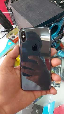 iphone xs 64 gb 100% condition 87% bettry health
