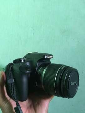 Kamera dslr Canon 1000D