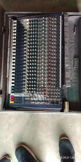 Sound craft company mixer 24 channel