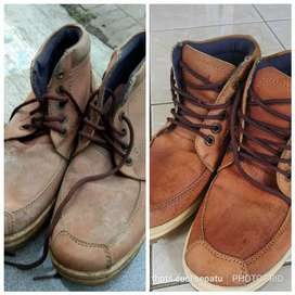 Cuci sepatu murah cepat dan bersih