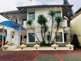 Rumah Mewah dgn Kolam Renang Luas 1050 di Lebak Bulus Jakarta Selatan
