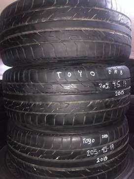 4 pcs Ban Toyo DRB 205 45 R17 bekas