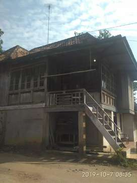 Dijual rumah atas