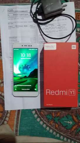 3/32 Redmi y1 1year old good condition phone charger with Bill