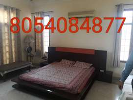 Fully furnished room are available in prime