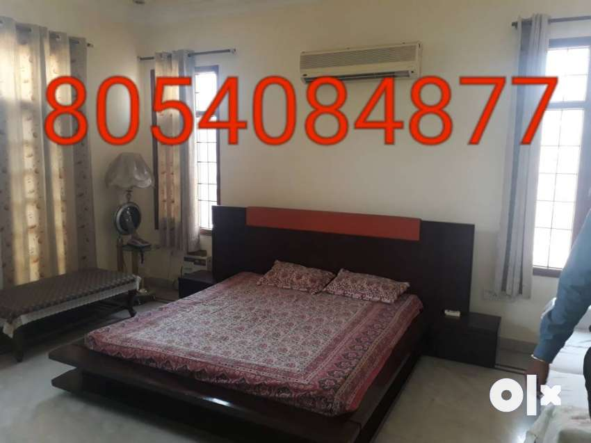 Fully furnished room are available in prime 0