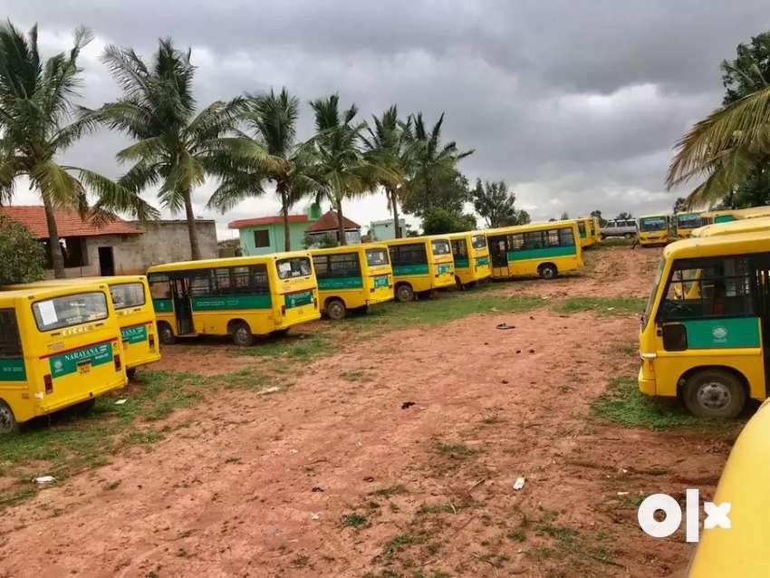 school buses 0