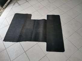 Karpet belakang grandmax