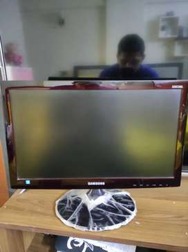 Samsung LED Monitor 20 inches perfect condition