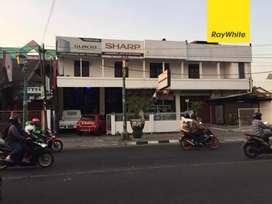 Ruko strategis, murah, gandeng 4,Jl. Kusumanegara, Jogja
