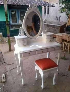 Set meja untuk berhias, rias, make up