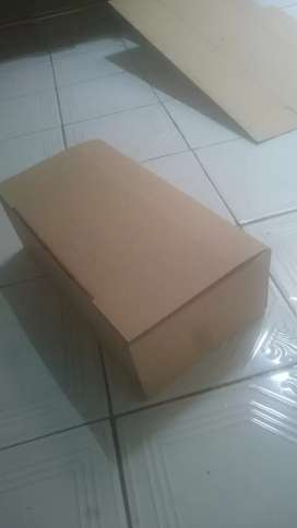 Karton box sendal dan sepatu balet
