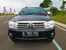 Fortuner G AT Diesel 2011, Hitam. km 76.000